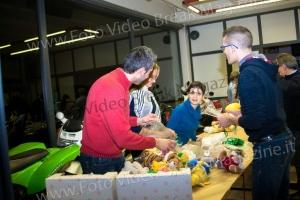 2014-12-23-VOLONTARIATO-PREPARAZIONE-REGALI