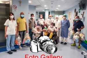 2021-06-13-VOLONTARIATO-CONSEGNA-GIOCHI-FONDAZIONE-POLIAMBULANZA